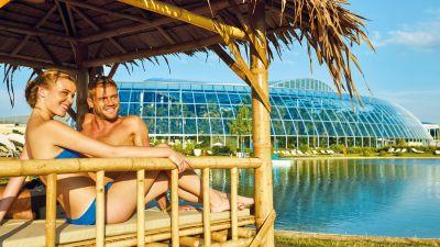 Bambus Lounges Palmenparadies